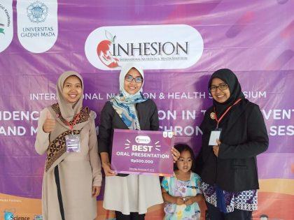 Dosen Gizi Kembali Menjadi Best Oral Presentation